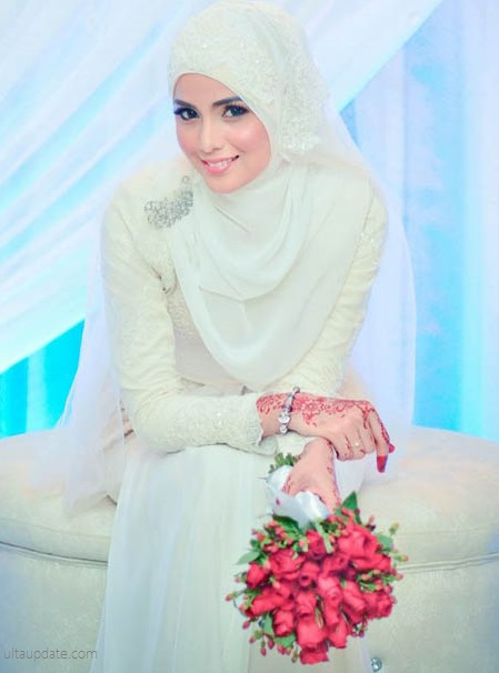 white muslimah wedding dress