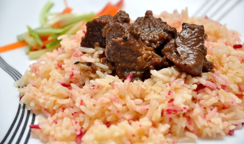 nasi minyak with meat at wedding
