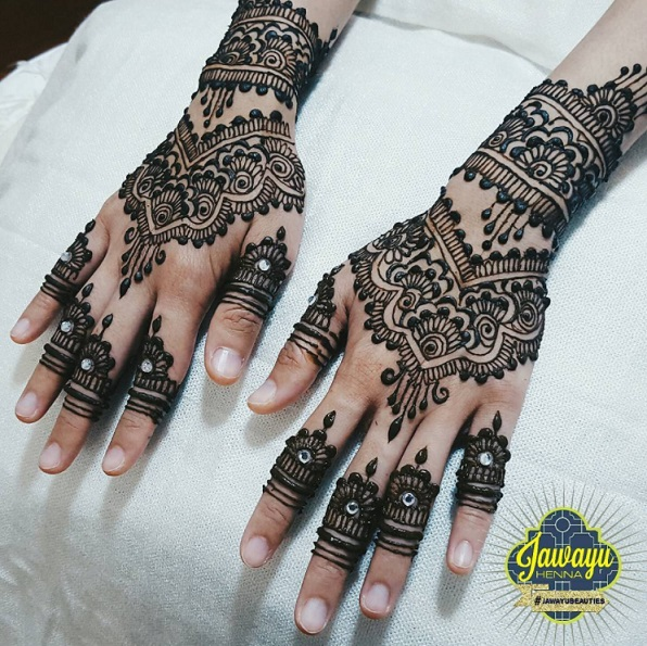 henna on bride just completed