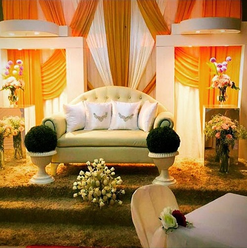bridal bed or dais in a singapore malay wedding service